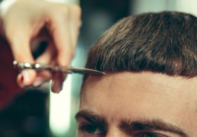How to do a simple men's haircut at home